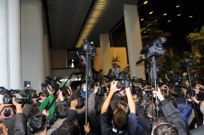 Une horde de journalistes pour certains venus du Japon et de Russie lors de l'élection de Jean Sarkozy au CA de l'EPAD lors d'une séance du Conseil Générale des Hauts-de-Seine. ©Defense-92.fr