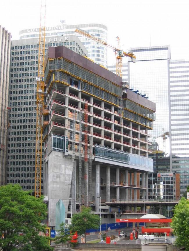 Le chantier de la tour CBX en juin 2004.