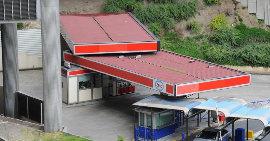 La station Esso à la sortie des PA/PB ferme défintivement