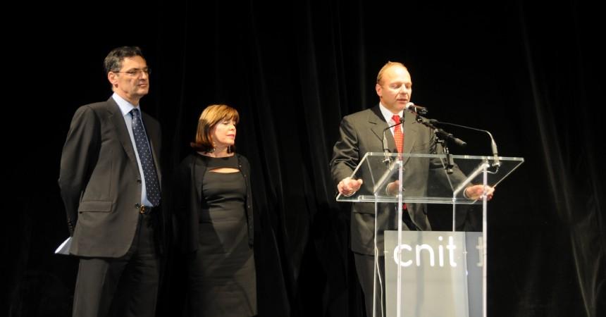 Patrick Bruel chante pour l'inauguration du CNIT