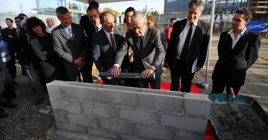 Pose de la première pierre pour la gare de Nanterre Université