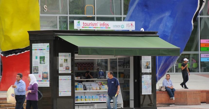 Le kiosque du CDT 92 revient à La Défense cet été