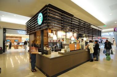 Un nouveau Starbucks Coffee aux Quatre Temps