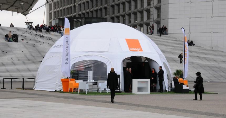 Orange organise Studio Démo sur le Parvis de La Défense