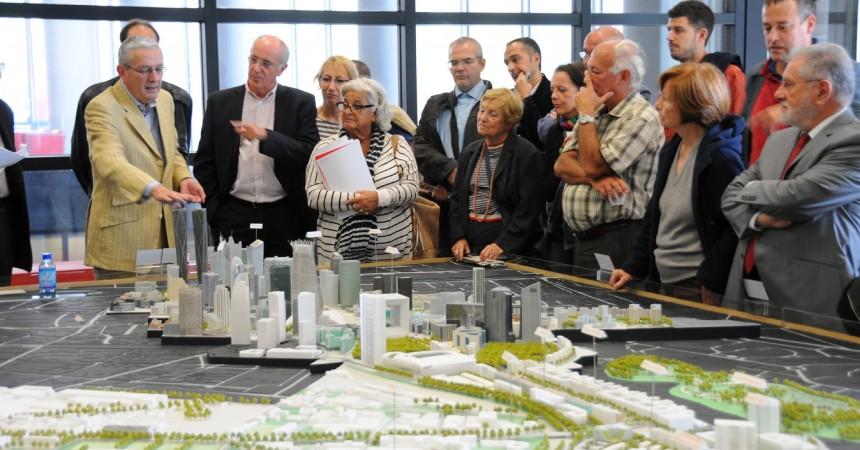 Philippe Chaix fait le point trimestriel des projets de La Défense avec le public