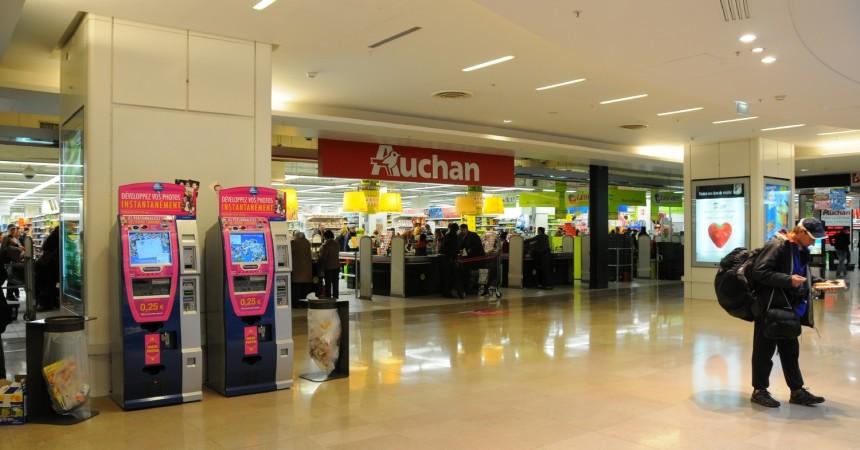 Elle accouche dans l'hypermarché Auchan des Quatre Temps
