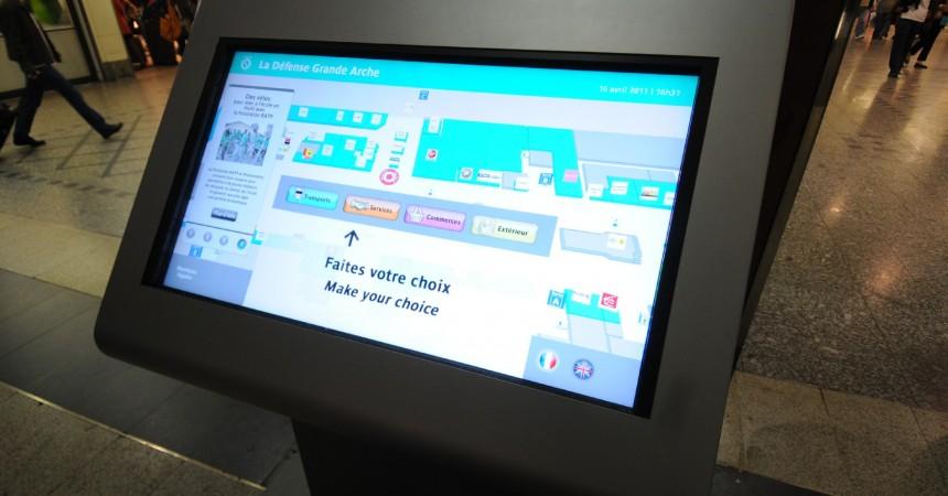 Une table tactile d'orientation en test dans la gare Cœur Transport