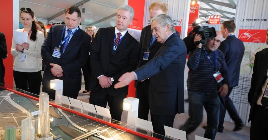 Mipim 2013 : Le maire de Moscou en visite sur le stand de l'Epadesa