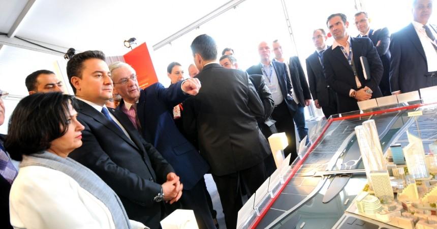Mipim 2013 : le premier ministre Turc sur le stand de l'Epadesa