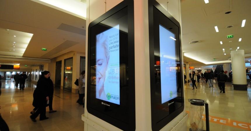 De nouveaux écrans LCD publicitaires aux Quatre Temps