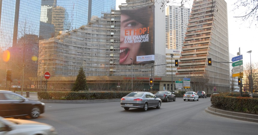 ING Direct s'affiche en géant sur l'immeuble La Sirène
