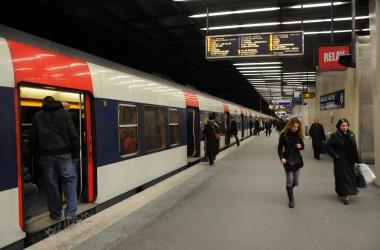 À quatre ans il se rend seul en RER à La Défense