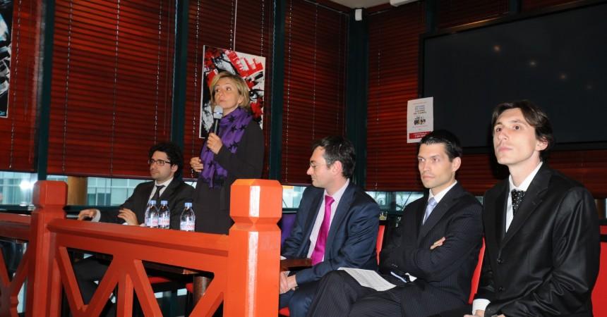 Valérie Pécresse en «meeting» à La Défense