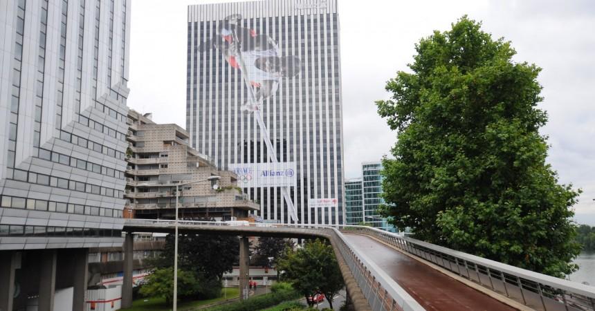 Allianz soutient les athlètes français sur sa tour Neptune