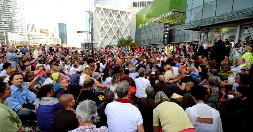 Deux mille personnes marchent pour la paix