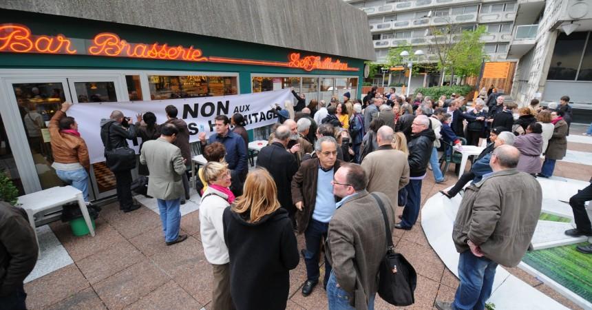 Les opposants au projet Hermitage Plaza vent debout