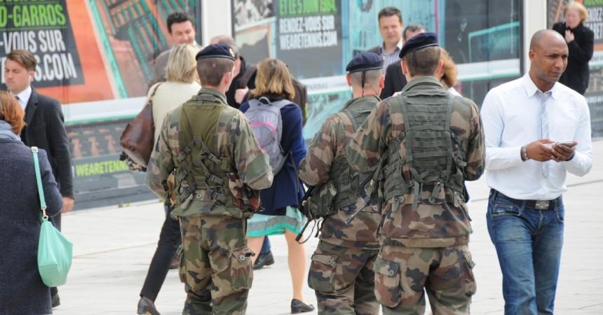 Un militaire poignardé à la gorge dans la gare Cœur Transport