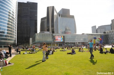 A La Défense on profite aussi du beau temps