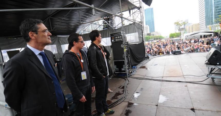 Patrick Devdjian assiste à Jazz Festival La Défense