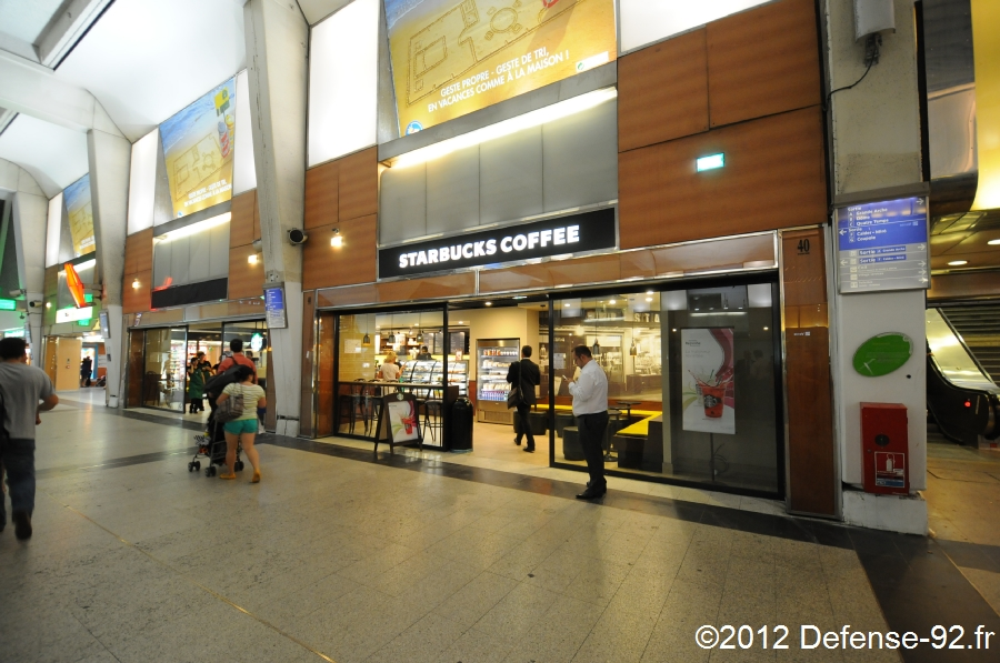 un nouveau starbucks dans la gare c ur transport defense. Black Bedroom Furniture Sets. Home Design Ideas
