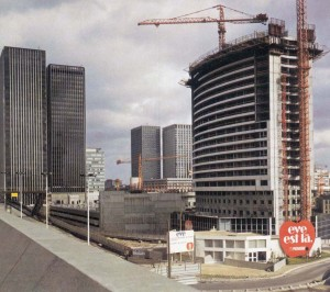 La construction de la tour Eve en 1973