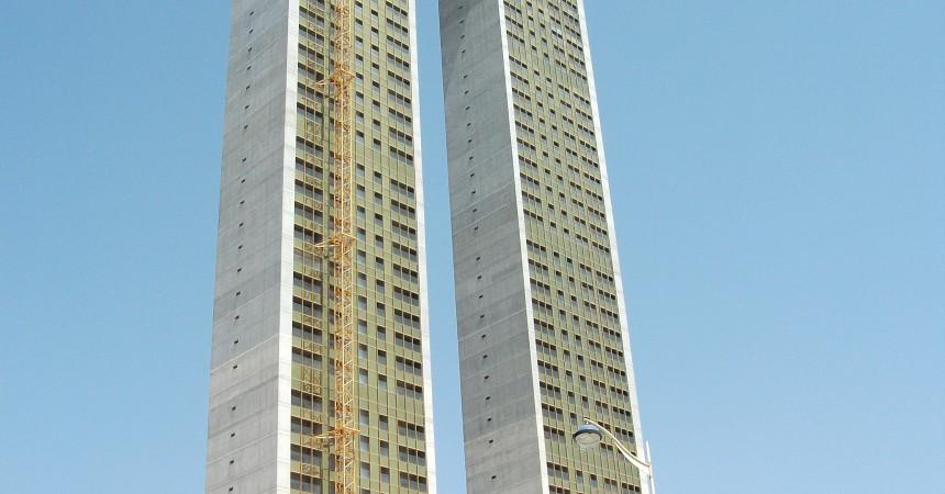 En Espagne, une tour de 48 étages sans ascenseurs….