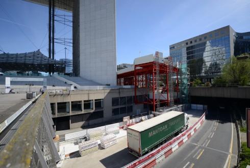 Les travaux de rénovation de la Grande Arche le 14 avril 2015 - Defense-92.fr