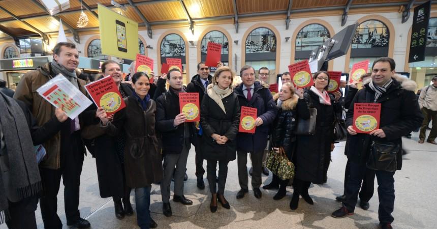 Les usagers de la ligne L mettent un carton rouge à la SNCF