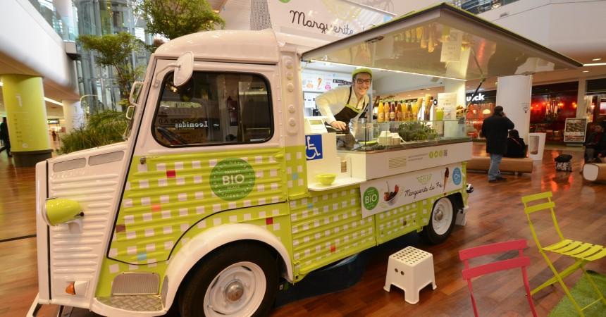 """Des yaourts glacés dans le """"Tube"""""""