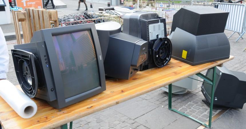 Ramenez vos anciens matériels: ils seront recyclés ou réparés