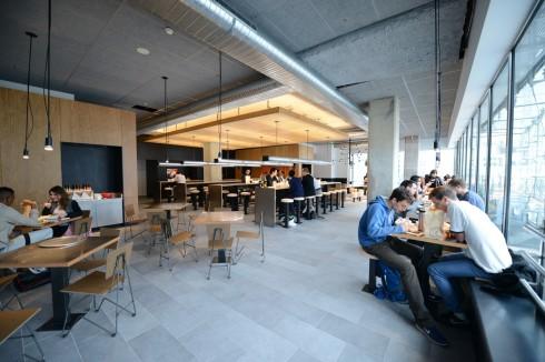 La salle du restaurant Chipotle - Defense-92.fr