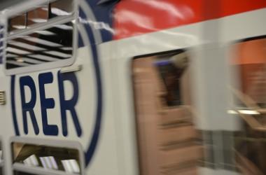Un homme se jette sous un RER à La Défense