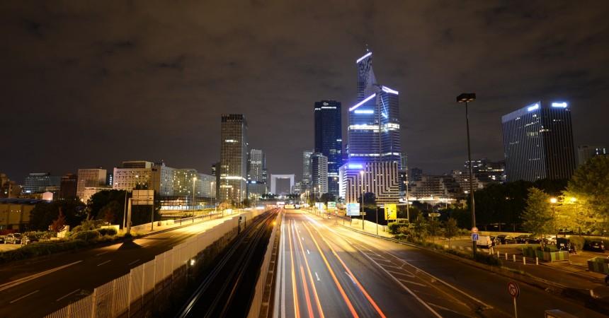 La Défense, un an après le décret relatif à l'éclairage des bureaux la nuit