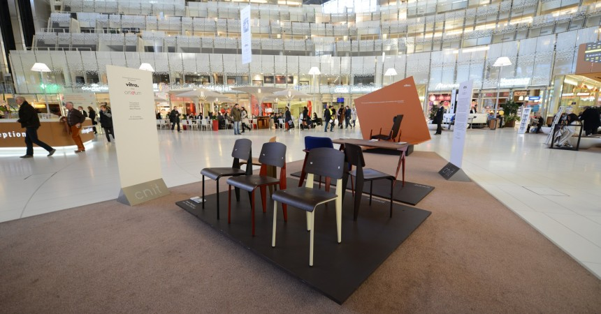 La boutique Arteum expose le mobilier de Jean Prouvé au CNIT