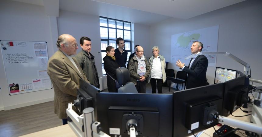 La SNCF dévoile son nouveau centre d'informations aux voyageurs