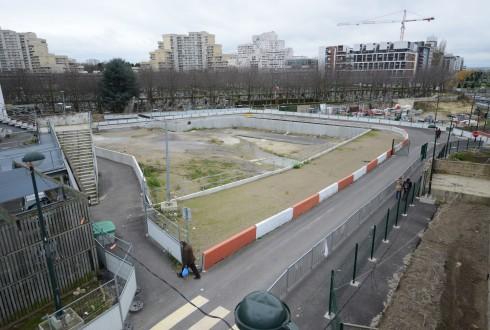 Le terrain de l'hôtel Valmy le 22 décembre 2014 - Defense-92.fr