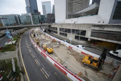 Les travaux préparatoires    de la rénovation de la Grande Arche le 22décembre 2014 - Defense-92.fr