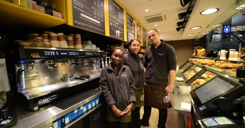 Columbus Café & Co sert ses premiers clients dans la gare de La Défense