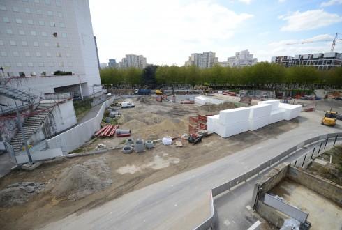Le terrain de l'hôtel CityzenM le 27 avril 2015 - Defense-92.fr