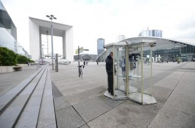D'ici 2017 Orange aura définitivement raccroché avec les cabines téléphoniques à La Défense