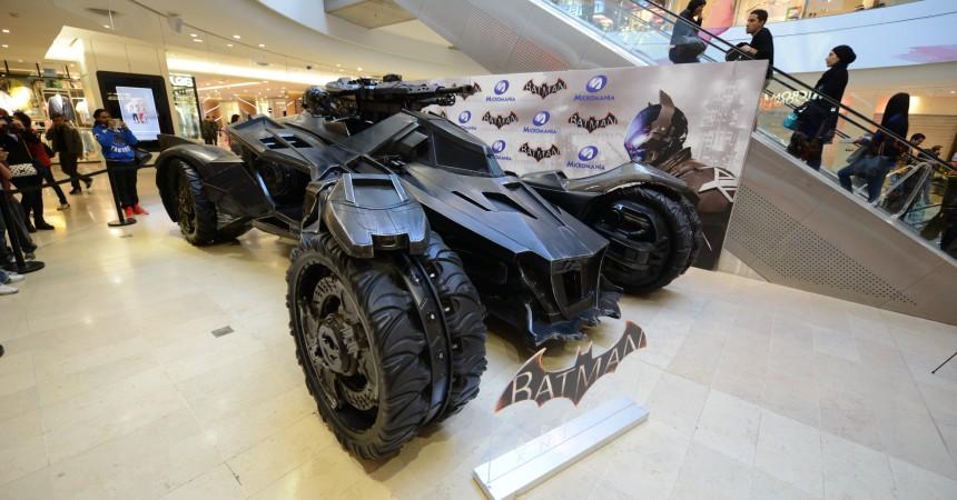 Micromania expose la Batmobile aux 4 Temps