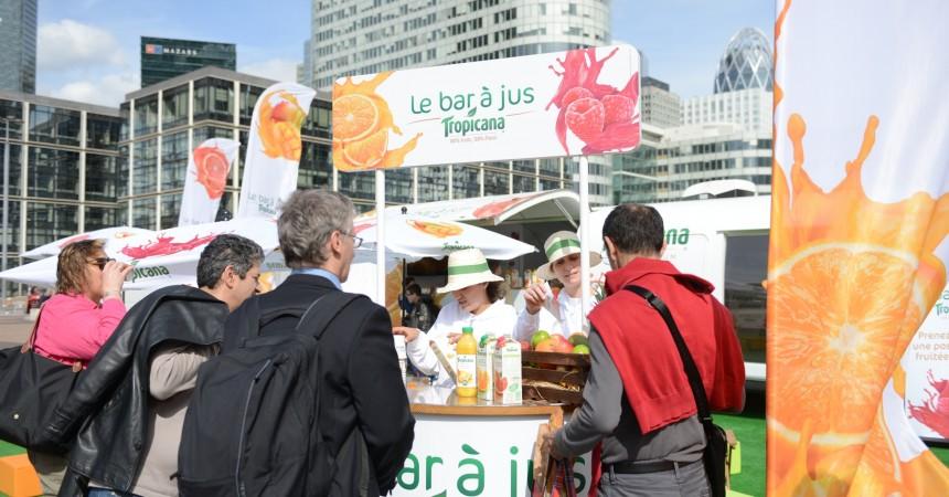 Tropicana rafraichit La Défense avec ses jus d'orange