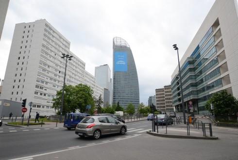 Le pelliculage d'Engie sur la tour T1 - Defense-92.fr