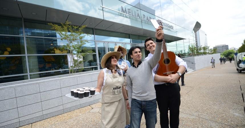 Prenez un selfie avec un fermier de l'hôtel Melia et tentez de gagner un week-end à Barcelone