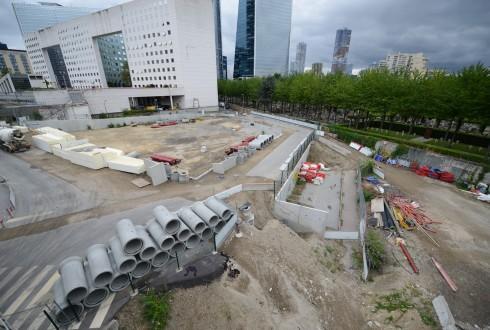 Les travaux d'aménagement des Jardins de l'Arche, le 20 juillet 2015 - Defense-92.fr