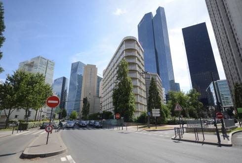 La rénovation de l'immeuble E+ le 1er août 2015 - Defense-92.fr