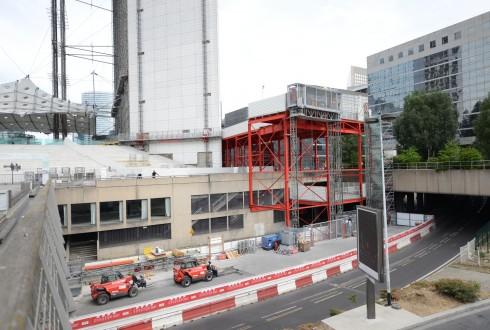 Les travaux de rénovation de la Grande Arche le 1er août 2015 - Defense-92.fr