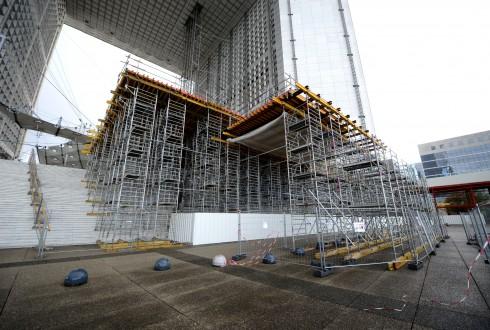 Les travaux de rénovation de la Grande Arche le 14 septembre 2015 - Defense-92.fr