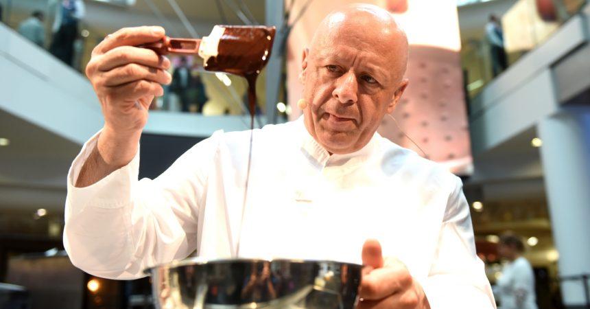 Ce dimanche Thierry Marx va cuisiner avec Capucine Anav aux 4 Temps