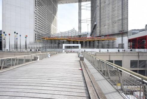 Les travaux de rénovation de la Grande Arche le 12 octobre 2015  - Defense-92.fr